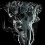 Эксперты заспорили о пользе или вреде курения при коронавирусе